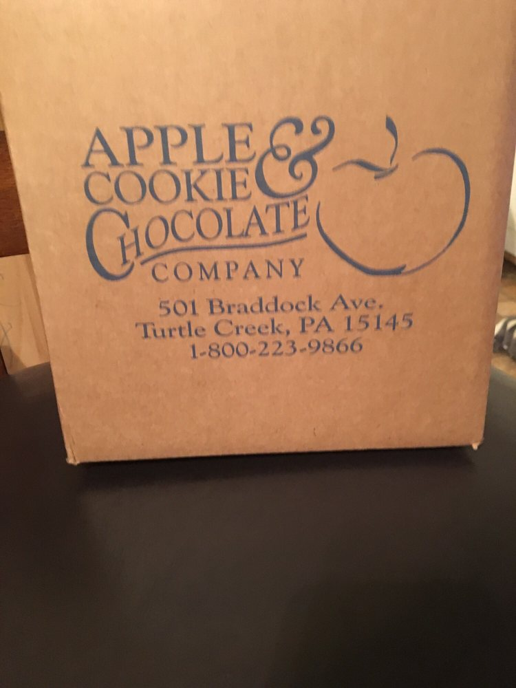 Apple Cookie & Chocolate Company: 501 Braddock Ave, Turtle Creek, PA