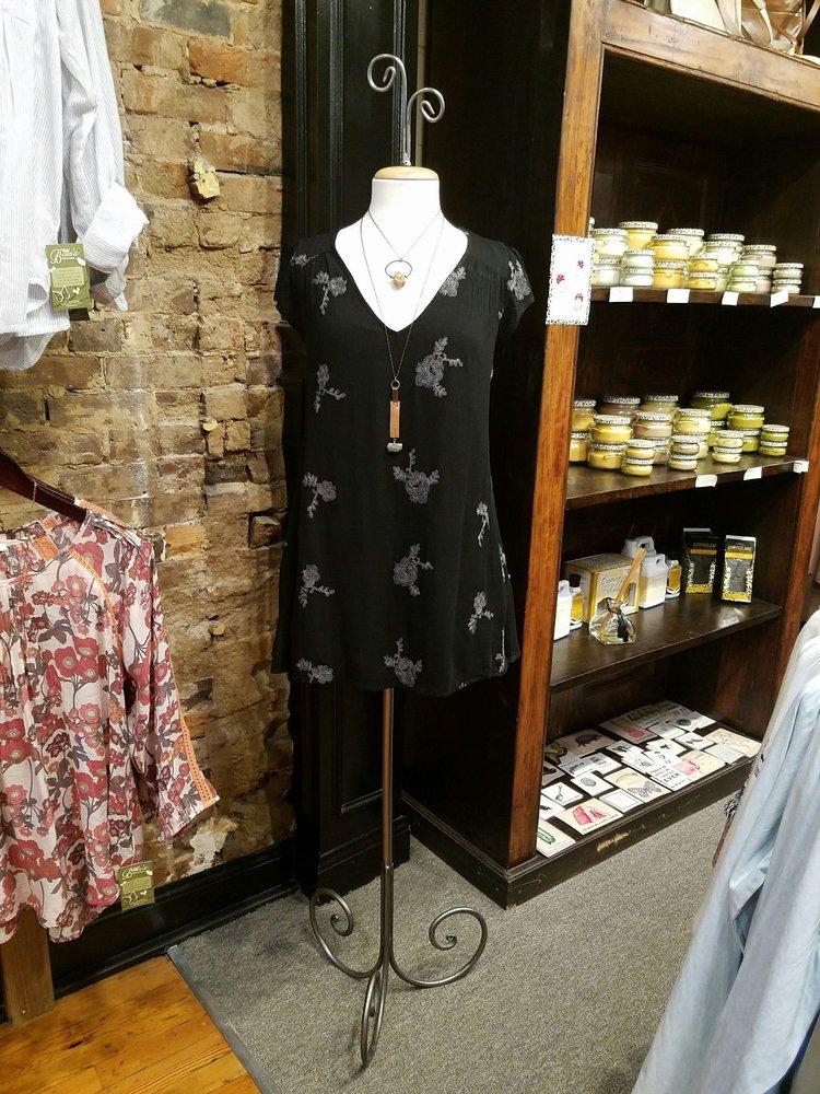Bella's Boutique: 109 S Church St, Murfreesboro, TN