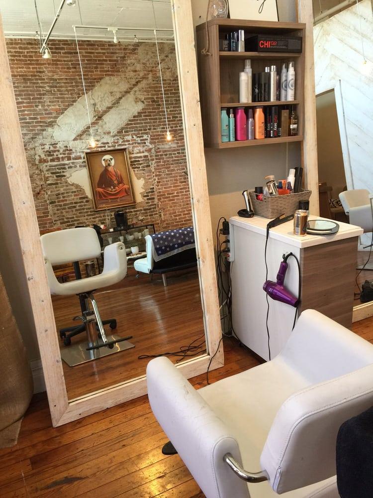 Coco Noir Salon