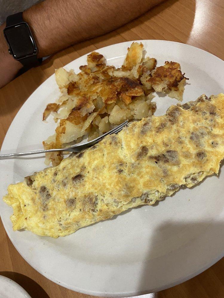 Chatterbox Family Restaurant: 405 Patricia Ave, Dunedin, FL