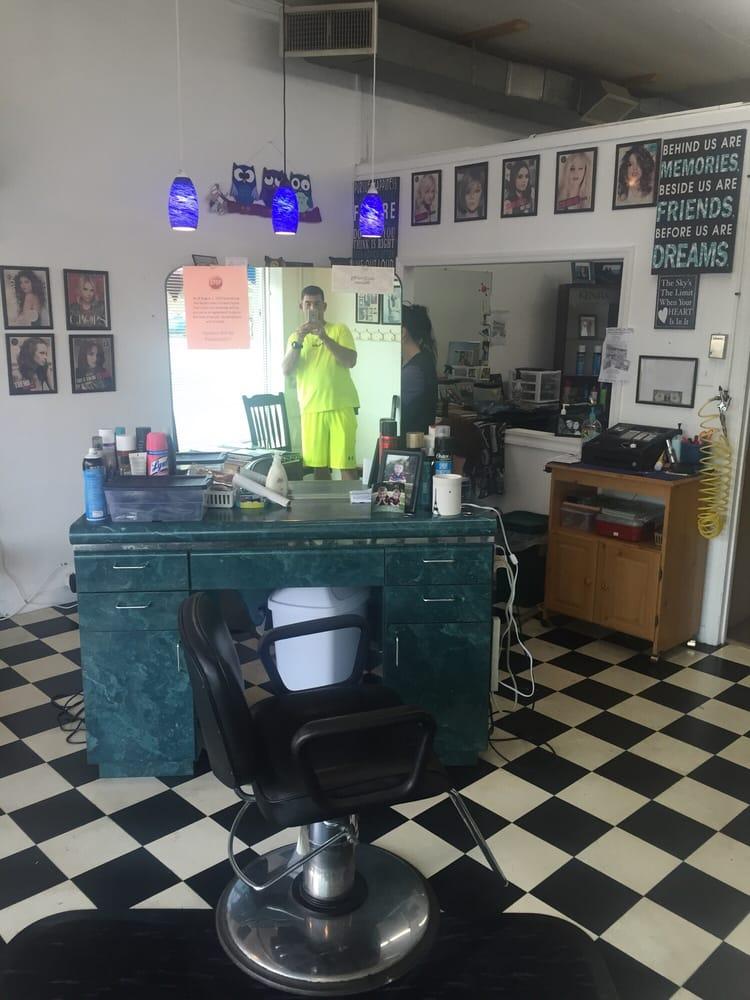Hair's A Host: 115 W 10th St, Roanoke Rapids, NC
