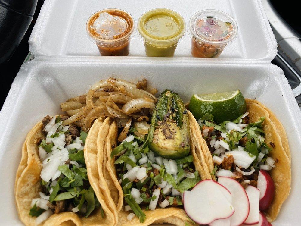 Big Rig Tacos: 2748 N Mannheim Rd, Melrose Park, IL