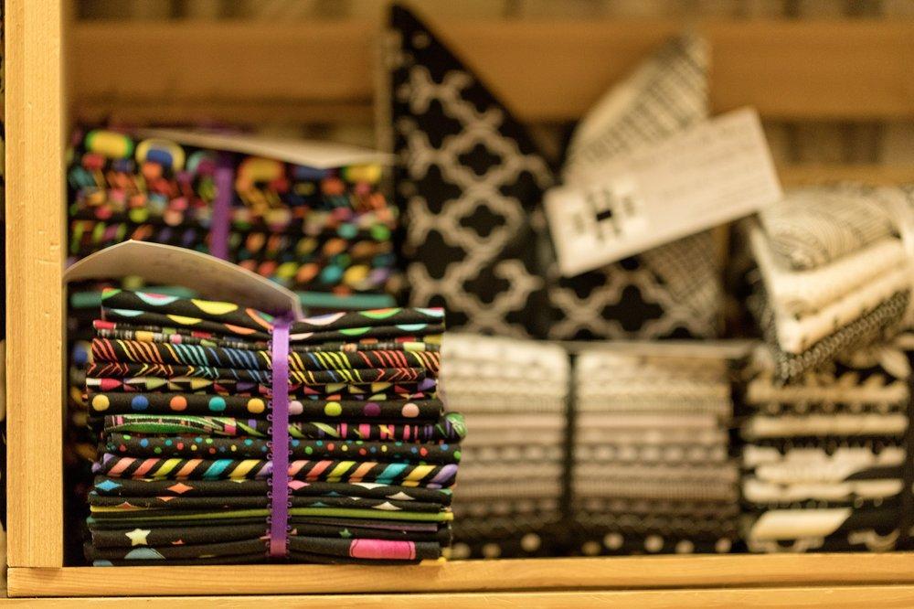 Sister's Quilt Shop: 476 N Market Blvd, Chehalis, WA