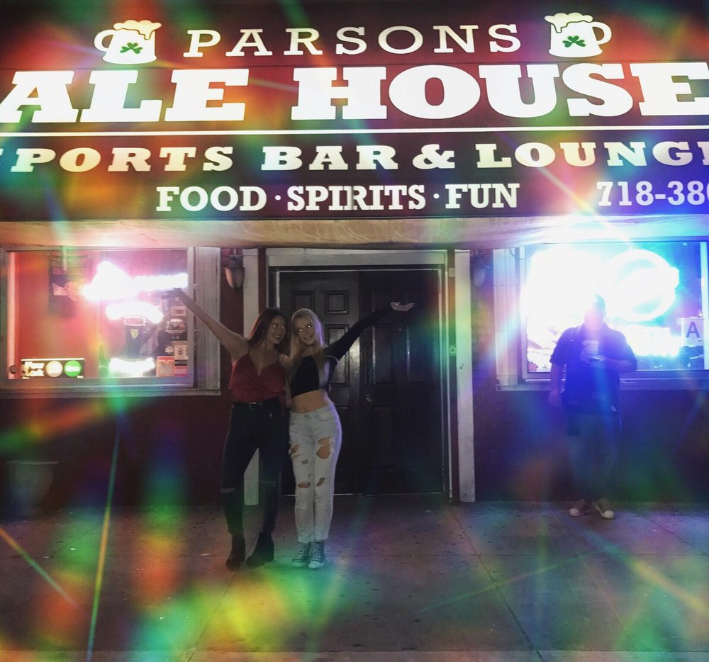 Parsons Ale House: 79-08 Parsons Blvd, Kew Gardens, NY