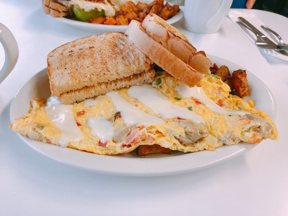 Food from Norm's Diner