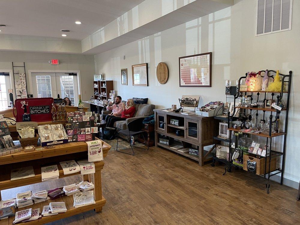 Bluestone Vineyard: 4828 Spring Creek Rd, Bridgewater, VA
