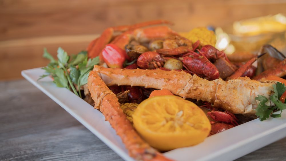 The Crab Shack: 5735 Lincoln Ave, Cypress, CA