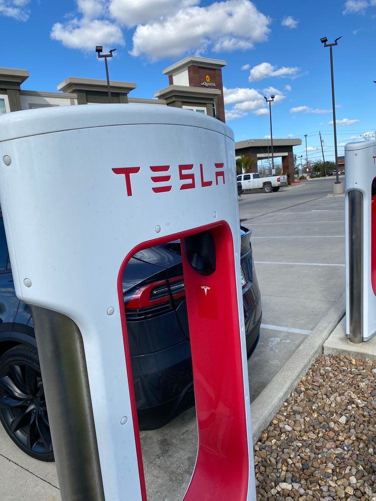 Tesla Supercharger: 3107 S Laurent St, Victoria, TX