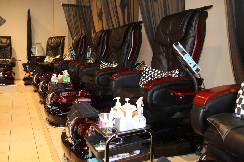 Vixen Nails Salon Spa - Mississauga