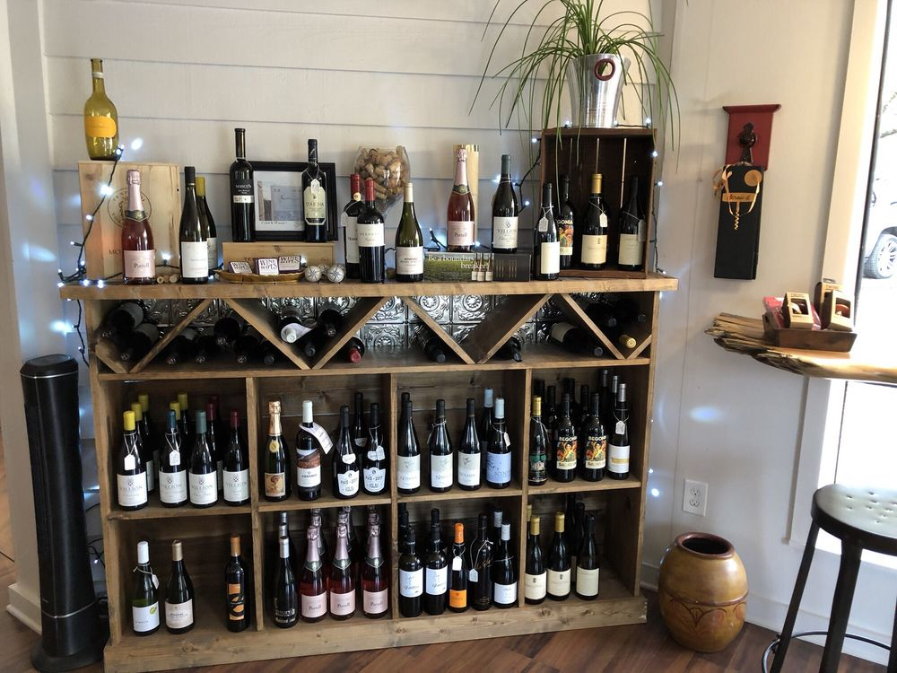 Casa Vindemia Wine Shop