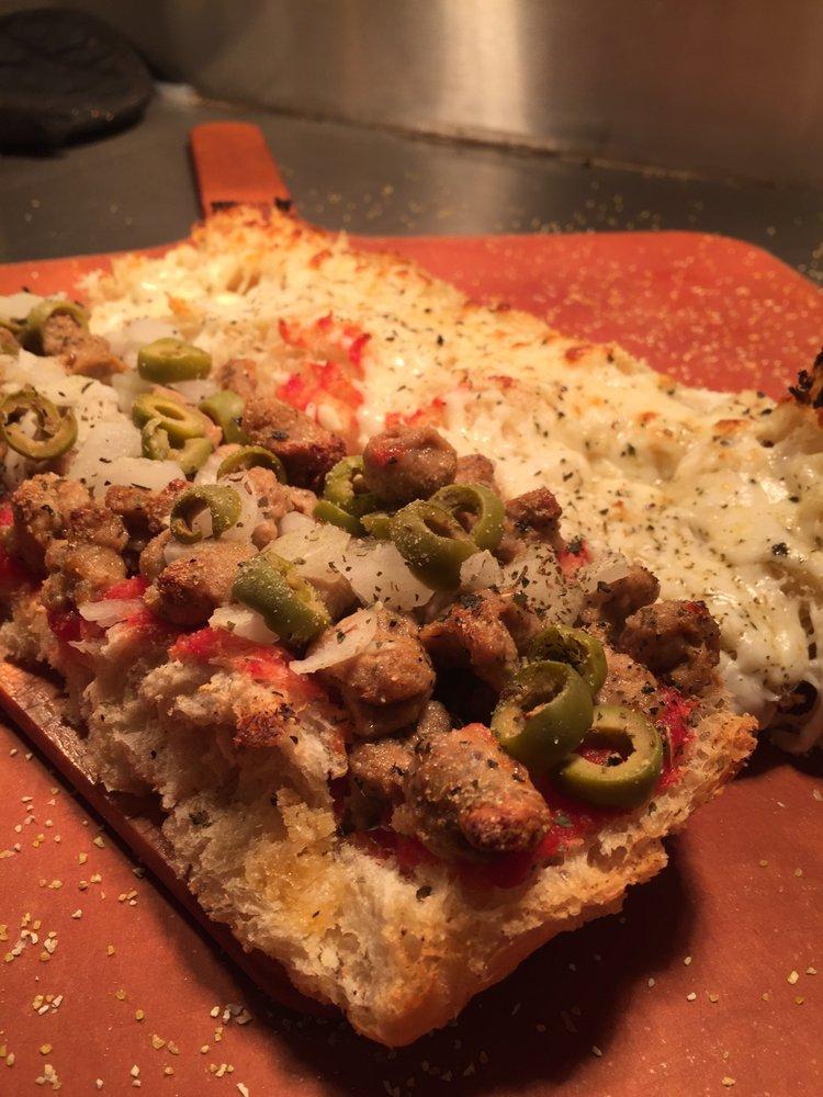 Pizza Man & Ice Cream Man: 301 W Union Ave, Litchfield, IL