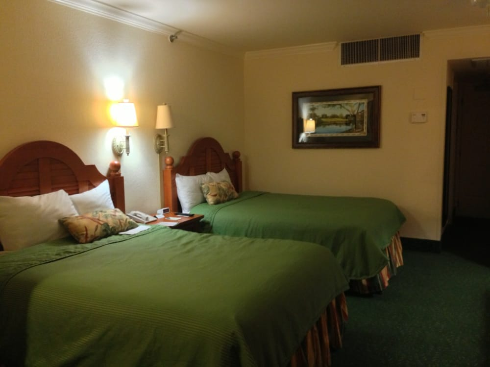 standard room at shades of green yelp. Black Bedroom Furniture Sets. Home Design Ideas