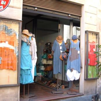 Momento abbigliamento femminile piazza benedetto for Corso roma abbigliamento