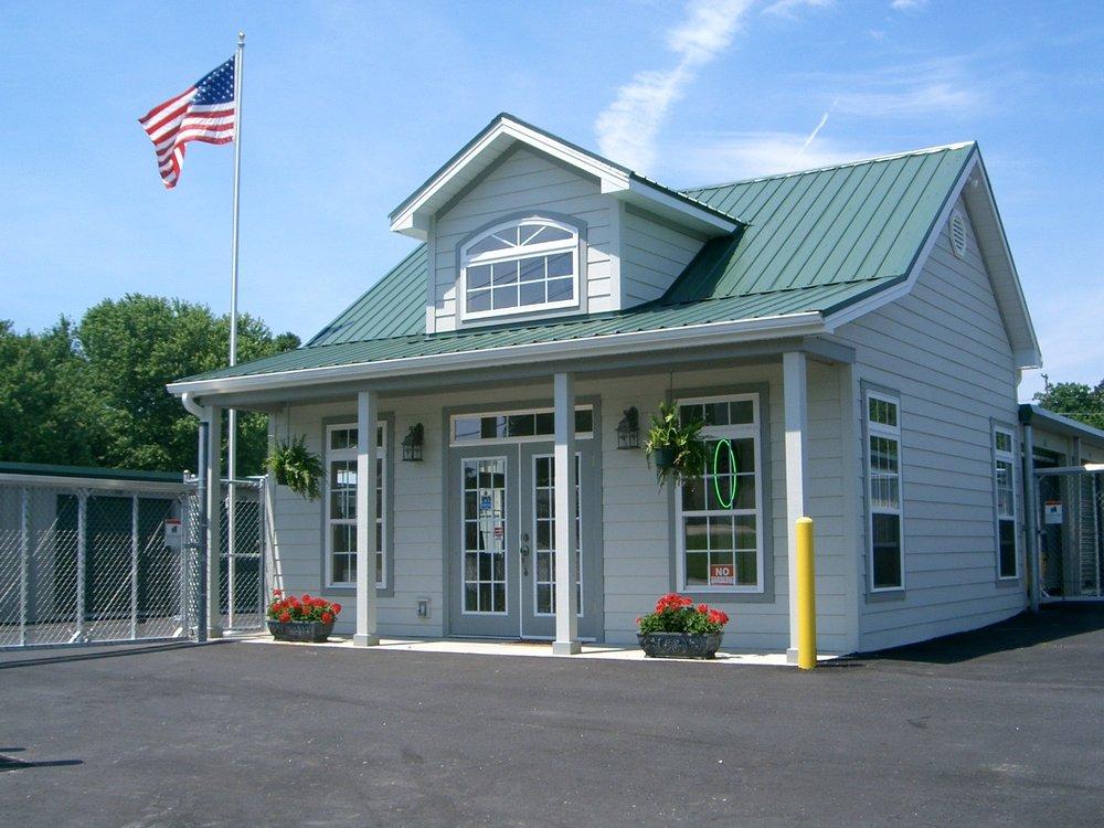 Eagle Self Storage: 2121 Spartanburg Hwy, East Flat Rock, NC