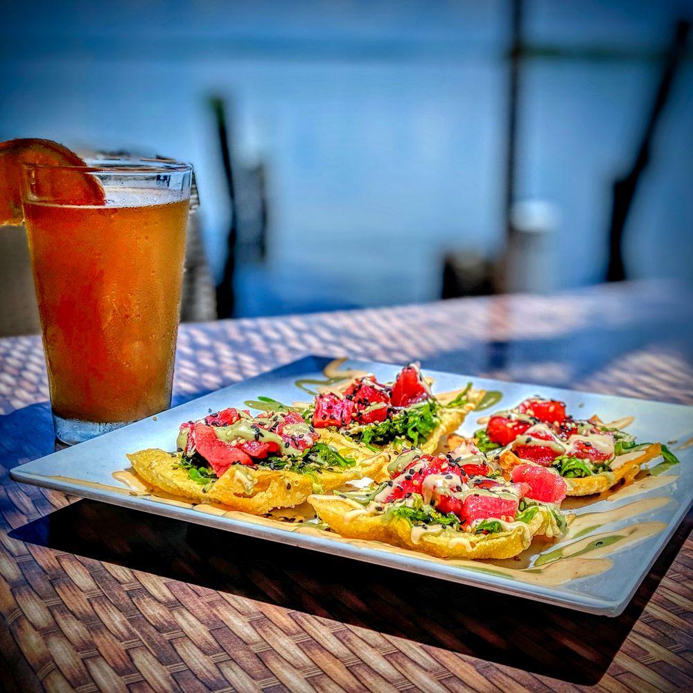 Yucatan Waterfront Bar & Grill: 4875 Pine Island Rd, Matlacha, FL