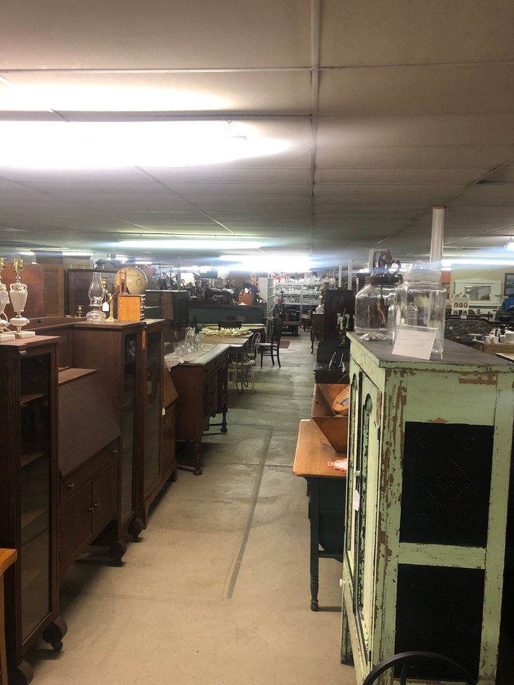 250 Antique Mall: 9043 State Rt 250 SE, Dennison, OH