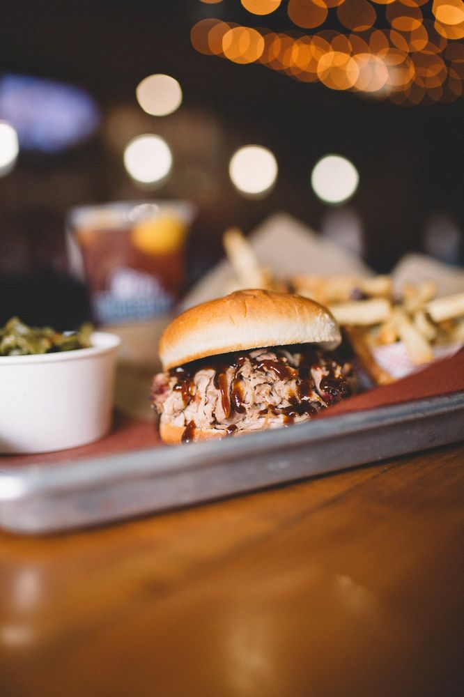City Barbeque and Catering: 2870 W Market St, Fairlawn, OH