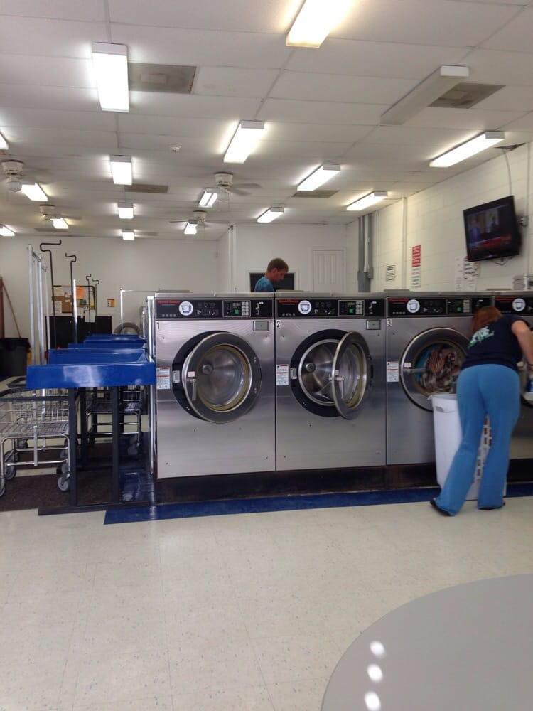 Quality Coin Laundry: 4305 Gautier Vancleave Rd, Gautier, MS
