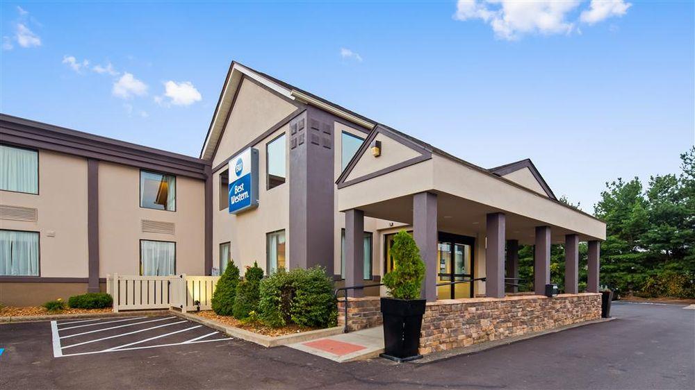 Best Western Dutch Valley Inn: 161 Bluebell Dr SW, New Philadelphia, OH