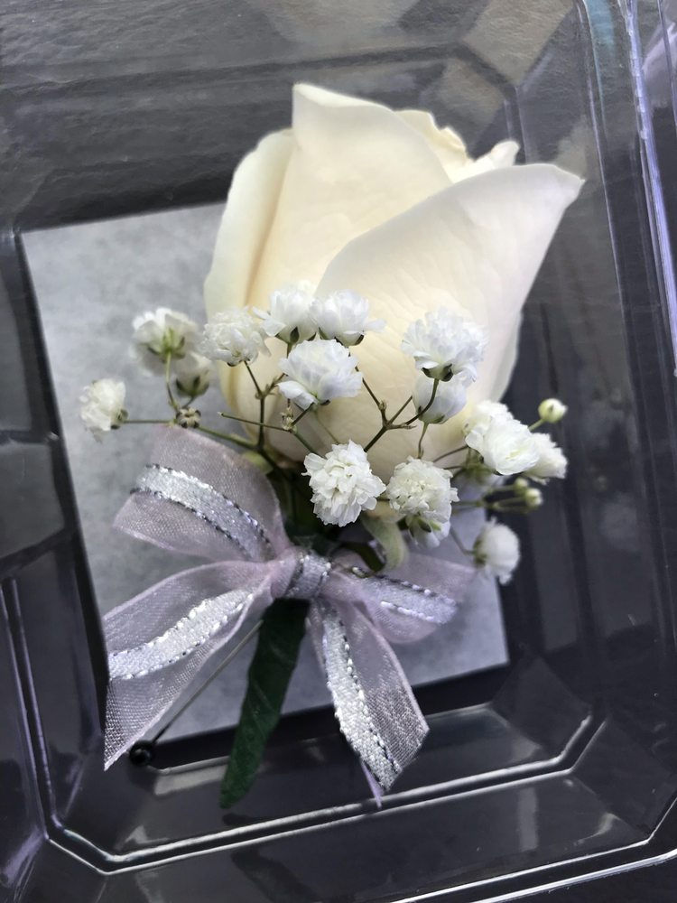 Vicky's Flowers: 6316 La Paz Rd NE, Rio Rancho, NM