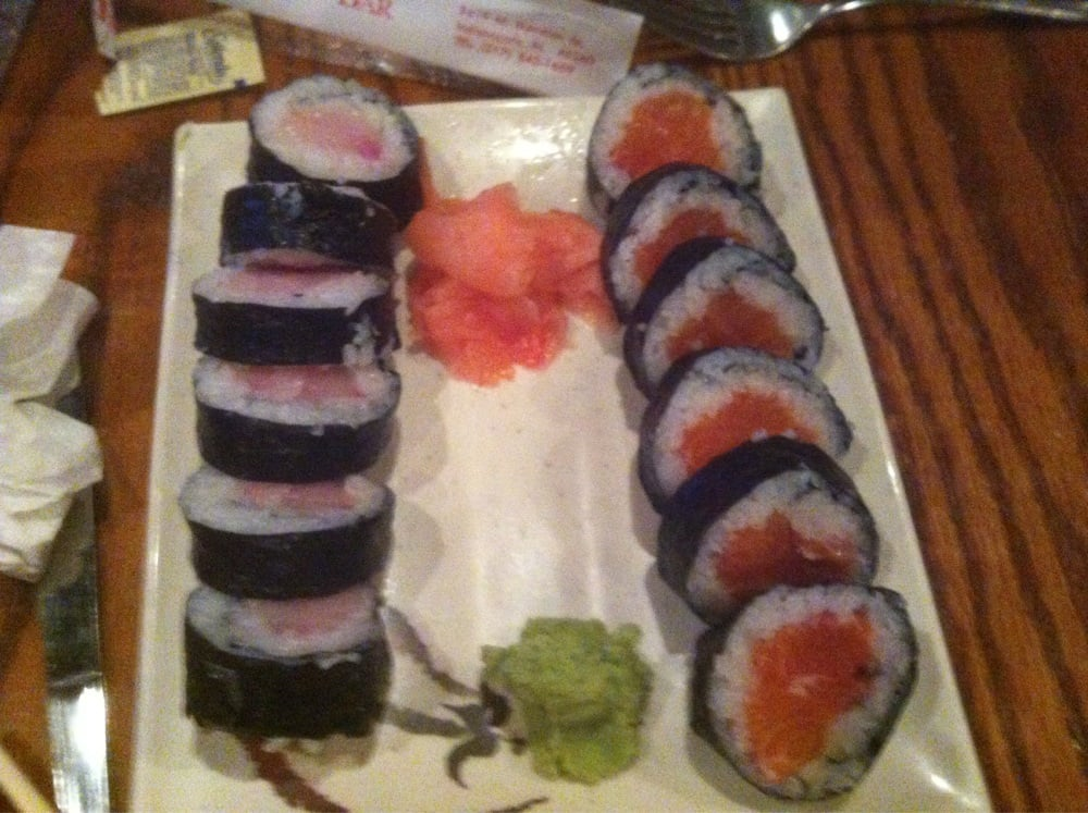 Yellowtail and salmon roll yelp for Kona fish market