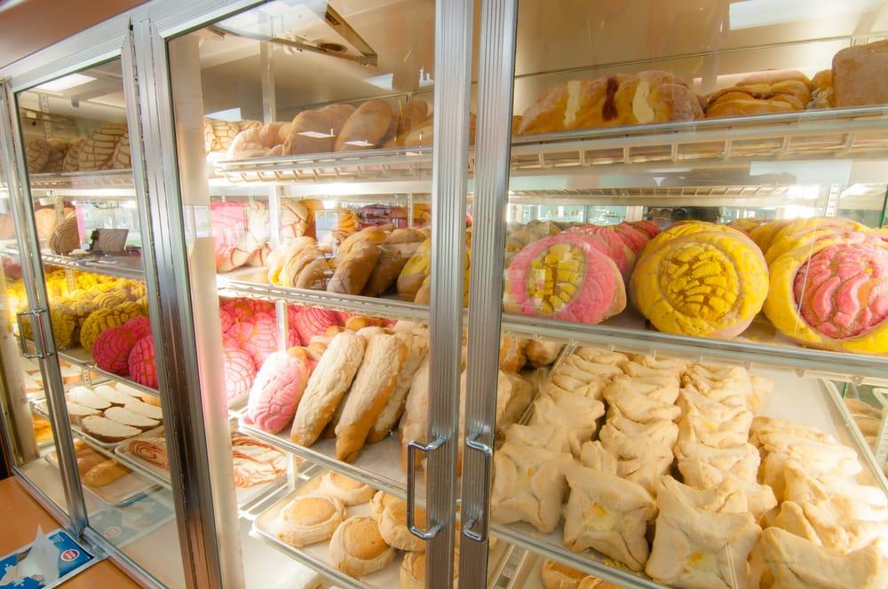 Sheila's Bakery: 800 N Perry St, Pontiac, MI