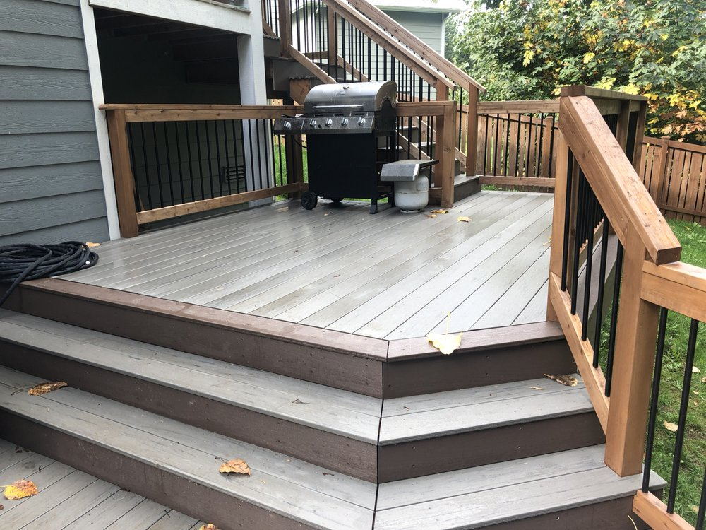 Heilman Deck and Fence: 2020 Maltby Rd, Bothell, WA