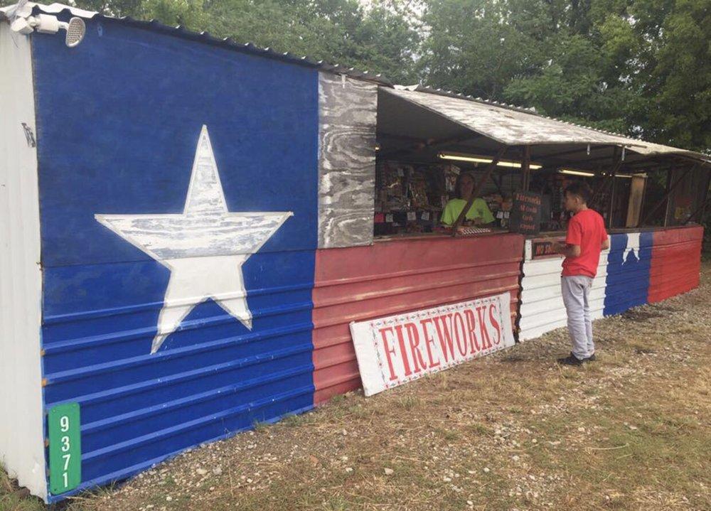 Texas Tiger Fireworks: 9371 US Hwy 175, Crandall, TX