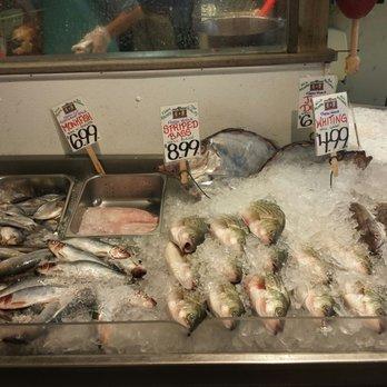 Harbor fish market 90 photos 72 reviews seafood for Fish market portland maine