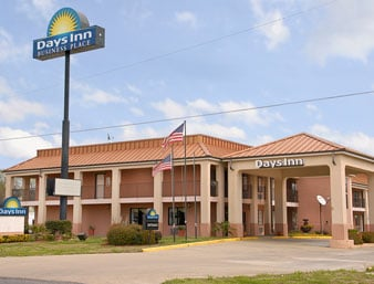 Days Inn by Wyndham Rayville: 125 Maxwell Dr, Rayville, LA