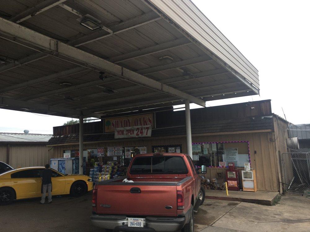 Shady Oaks Food & Feed: 1521 Shelbyville St, Center, TX