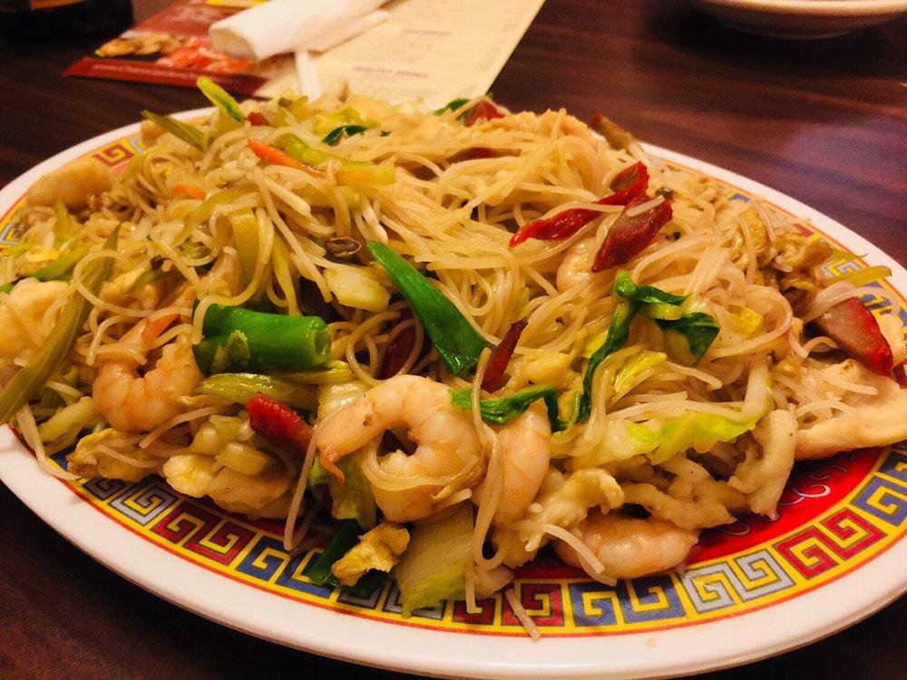 Chan's Garden Restaurant: 521 1st St, La Salle, IL