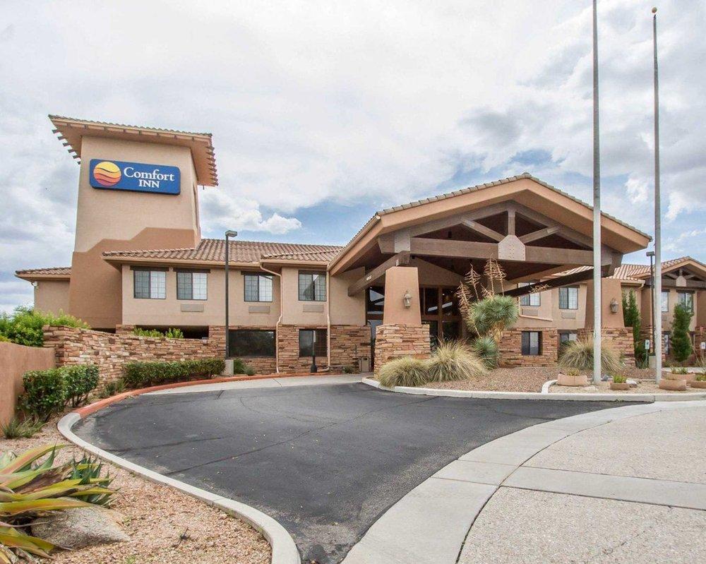 Comfort Inn: 630 S Village Loop, Benson, AZ