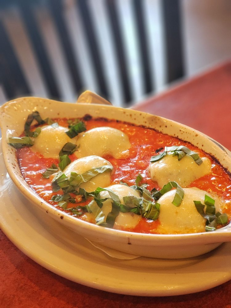Don Camillo Italian Cuisine: 1400 N Corinth St, Corinth, TX