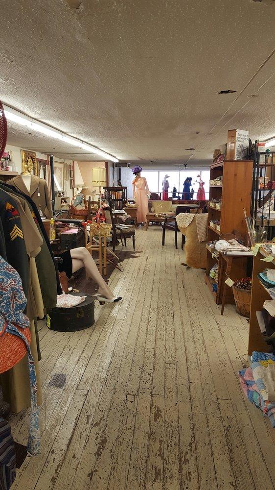 Mezzanine: 127 W Main St, Florence, CO