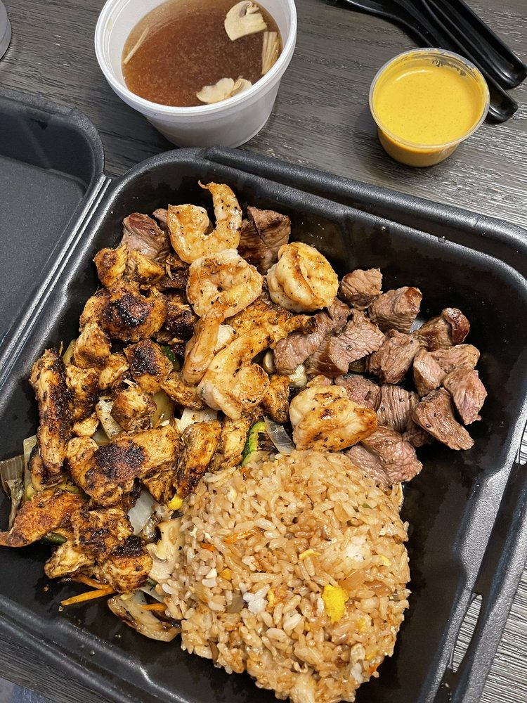 Food from D Grill Boy