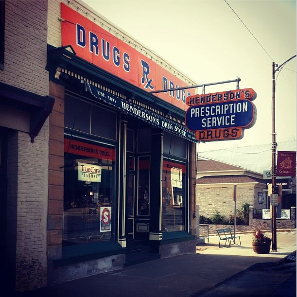 Henderson's Drug Store: 523 1st St, Glasgow, MO