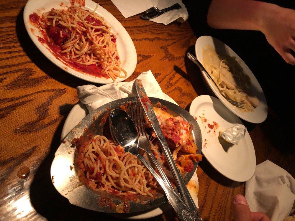 Dominicks Italian Restaurant: 477 N Oxnard Blvd, Oxnard, CA