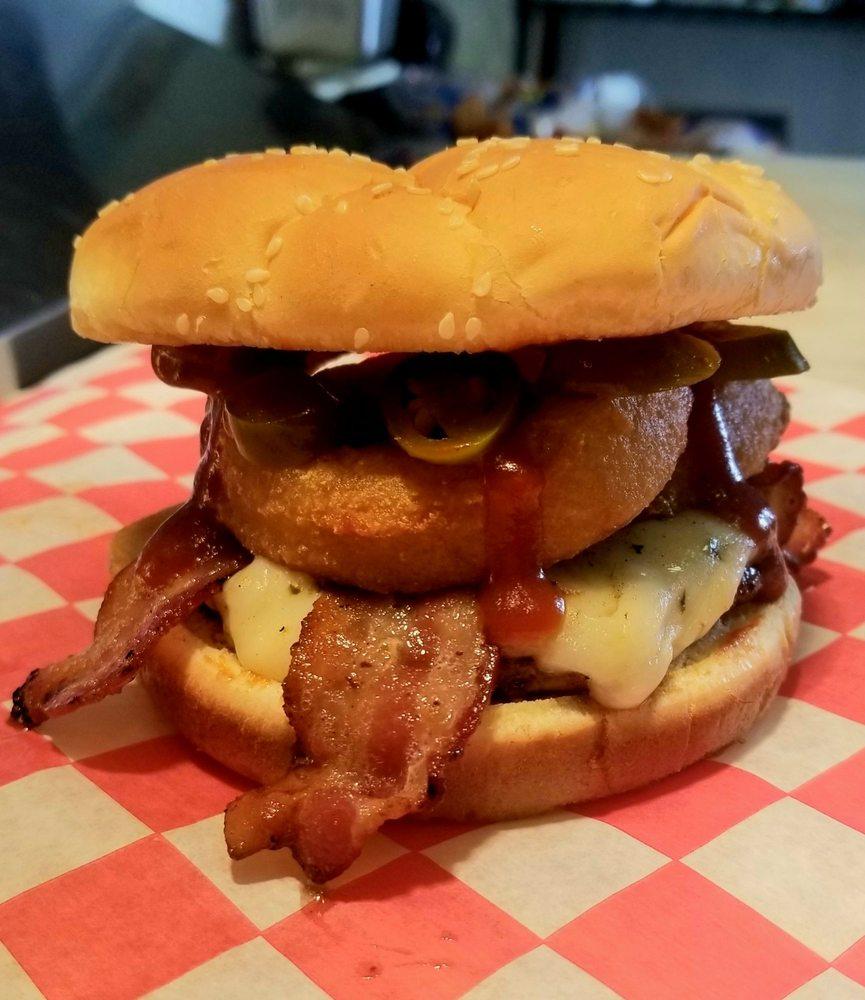 North Beach Burgers: 101 North Beach Rd, Saint Charles, ID
