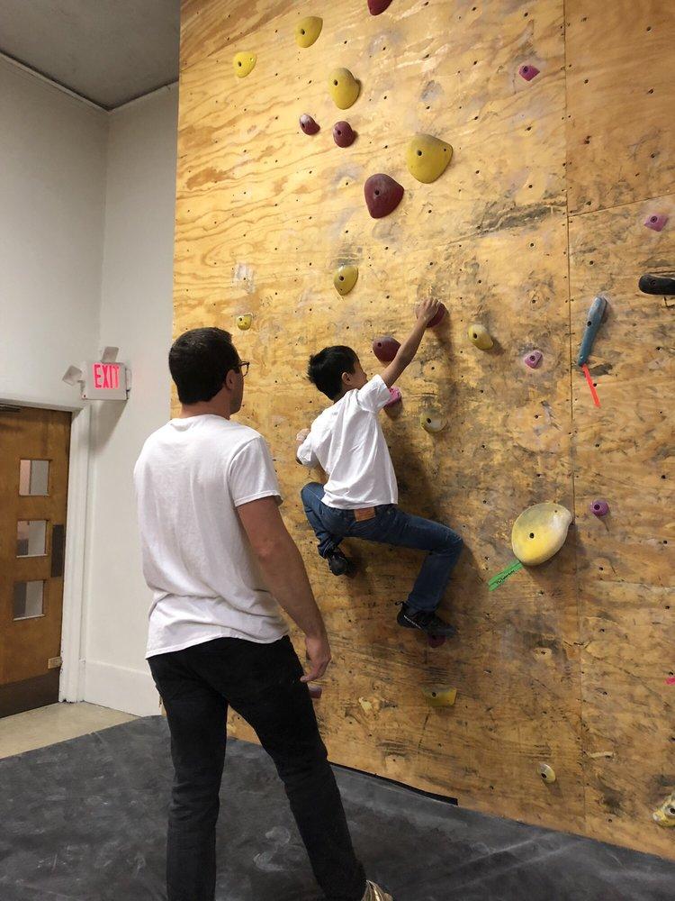 NOSOTROS Rock Climbing Gym