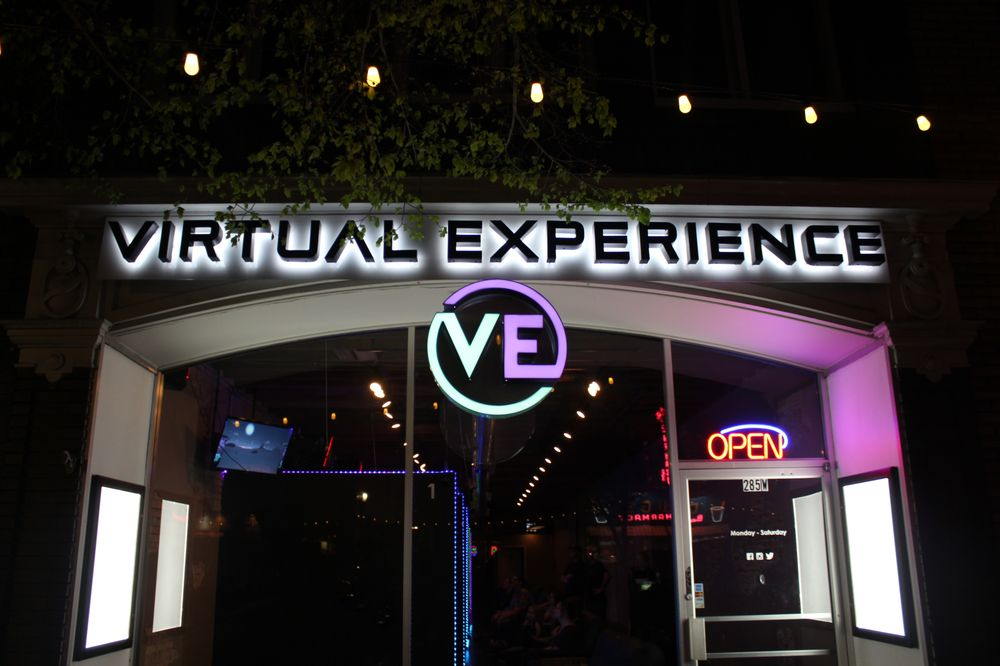 Social Spots from Virtual Experience