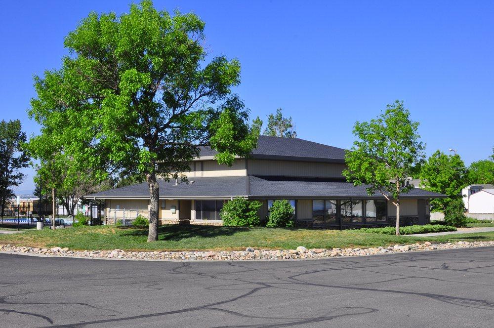 Foxridge Farm: 26900 E Colfax Ave, Aurora, CO