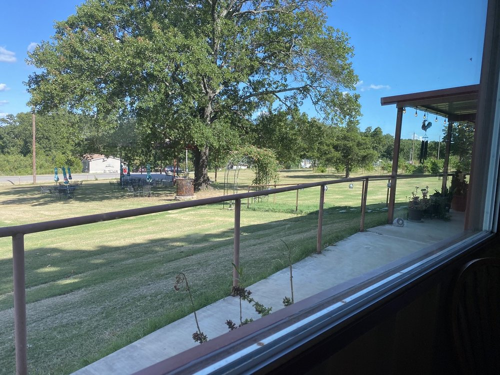 Blue River Valley Winery: 3565 Sawmill Rd, Caddo, OK