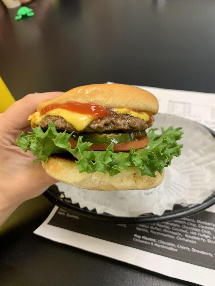 Flips Burgers And Treats: 928 US 2, Glasgow, MT