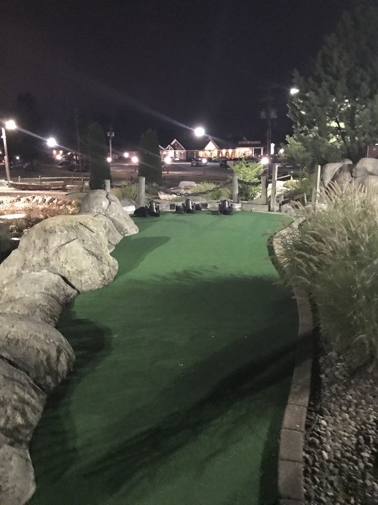 Waters Edge Mini Golf: 230 N Ronks Rd, Bird In Hand, PA