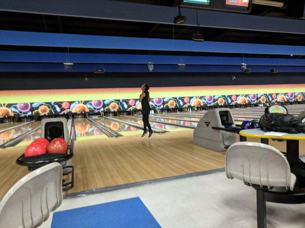 Gold Cup Bowling Center: 1041 Russell Pkwy, Warner Robins, GA