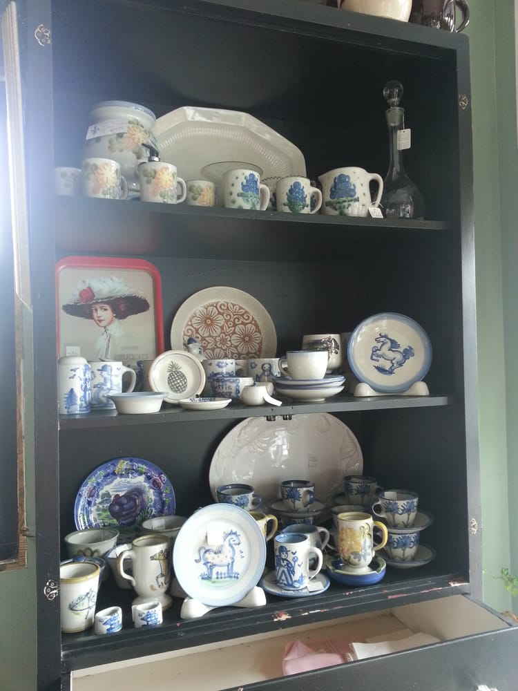 Some Hadley And Louisville Stoneware For Sale At Seek And