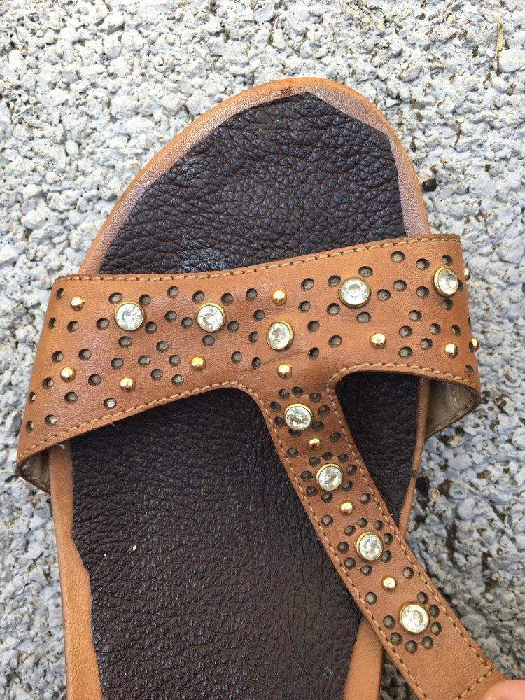 Hanlin Shoe Repair: 2887 5th Ave, Huntington, WV