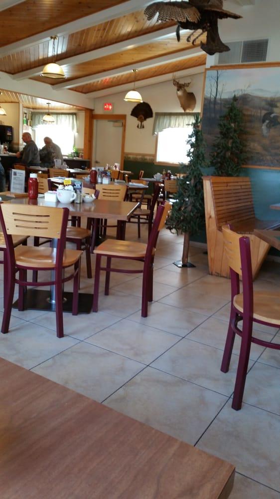 Gateway Cafe: 1041 Fond Du Lac Ave, Kewaskum, WI