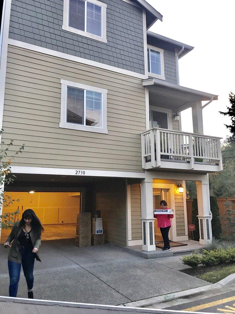Vanessa Betancourt - Century 21 WP & Associates: 845 106th Ave NE, Bellevue, WA
